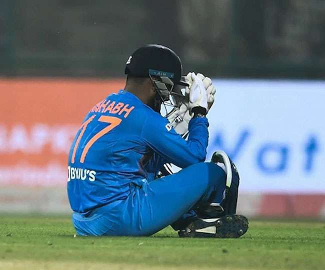 India vs Australia 1st ODI: KL Rahul keeps wickets as Pant gets concussion after getting hit on helmet