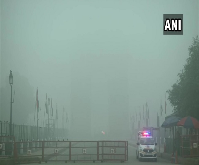 22 trains delayed, five flights diverted as dense fog engulfs Delhi-NCR; temperature dips to 7 degrees