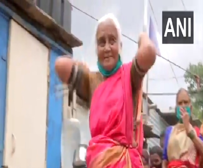 This 85-Yr-old's lathi swinging skills will bowl you over, Watch video
