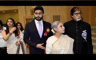 Aishwarya Rai Bachchan, daughter Aaradhya test coronavirus positive, reports AFP