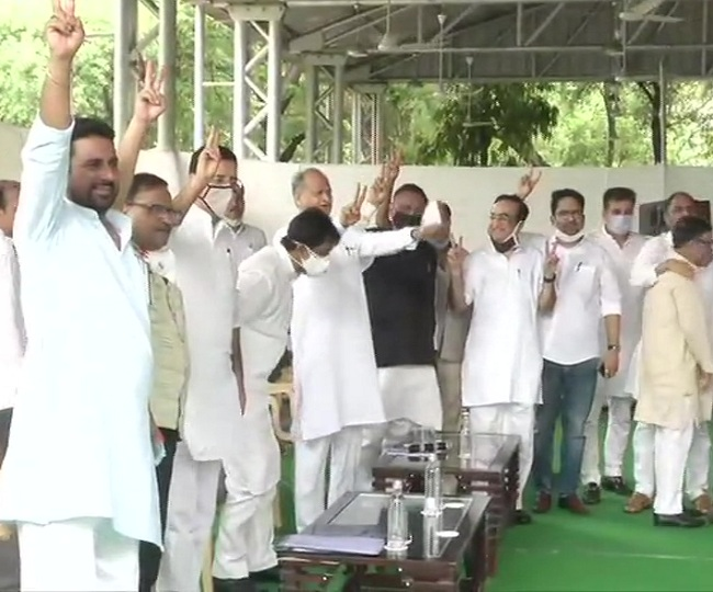 Rajasthan Crisis: Congress shifts 107 MLAs of Gehlot camp to resort, resolution targets Pilot | As it happened