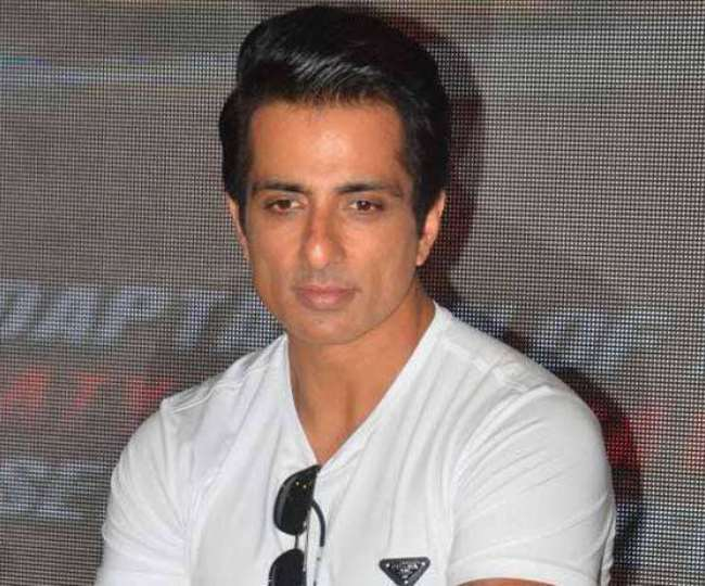 Sonu Sood stopped from meeting migrants at Mumbai's Bandra, police say 'have not received any complaint'
