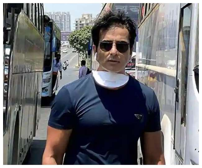 Sonu Sood turns relationship guru, promises to take couple to dinner 'but only if they stay together'   Check here