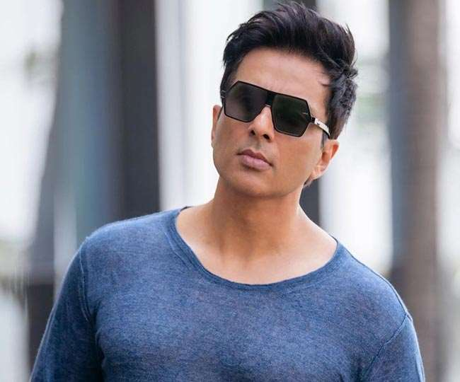 Sonu Sood offers this couple a trip to Goa as wife feels 'stuck with husband'