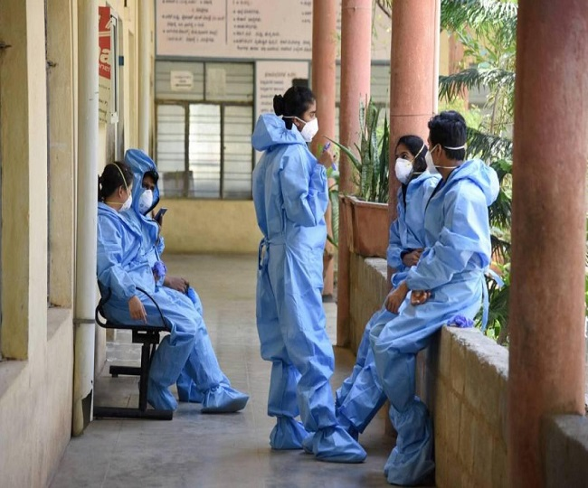 Country cannot have 'dissatisfied soldiers': SC raps govt over reports of non-payment of salaries to doctors, healthcare staff