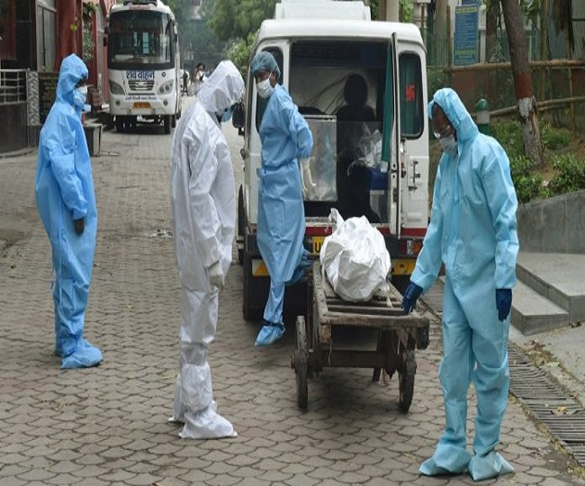 Leaves of all staffs working in Delhi govt hospitals cancelled as coronavirus cases breach 50,000-mark