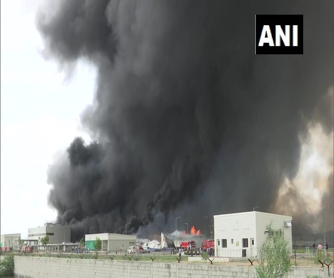 Massive fire breaks out at a factory in GIDC in Ahmedabad, 24 fire tenders present at spot | Watch