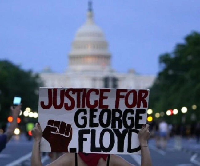 Demonstrations Over George Floyd's Death And Police Brutality Carry On