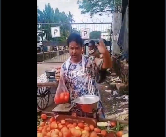 Coronavirus crisis forces Javed Hyder, Aamir Khan's co-star in 'Ghulam', to sell vegetables   Watch