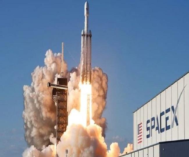 SpaceX Launch 61 Satellites Aboard Flight-Proven Falcon 9