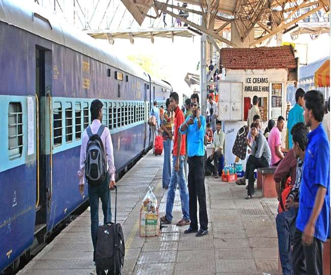 Indian Railways: IRCTC opens booking for special trains; Howrah-Delhi AC-1, AC-3 tickets sold within 10 mins | Highlights