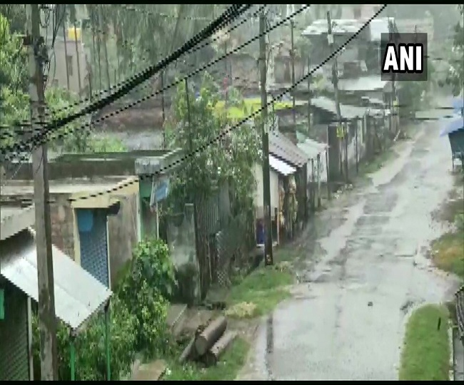 Amphan Cyclone | North 24 Parganas district in WB receives heavy rainfall; 36 NDRF teams deployed in both states | Highlights