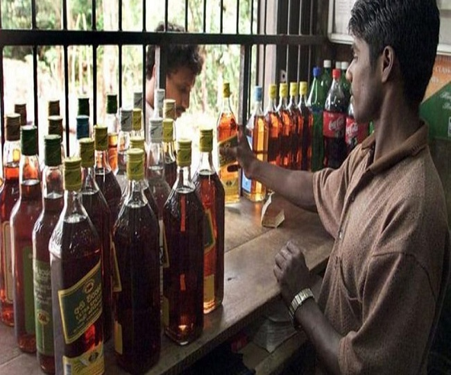Tamil Nadu moves SC challenging Madras HC's order to shut all liquors stores in state during lockdown