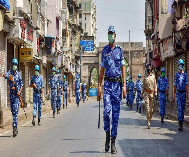 Complete lockdown in Ahmedabad and Surat for a week, only milk booths and medical stores allowed