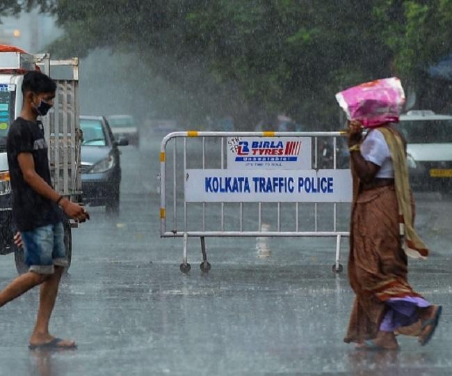 Cyclone Amphan begins landfall near Sundarbans, to reach Kolkata by evening; over 6.5L evacuated   Latest Updates