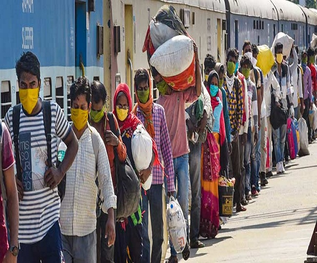 Centre issues SOPs for movement of migrant workers, asks states to operate more special trains