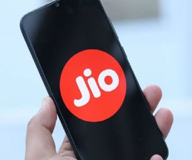 Silver Lake to invest Rs 5,656 crore in Jio Platforms at 12.5 pc premium to Facebook's Rs 43,574 cr investment