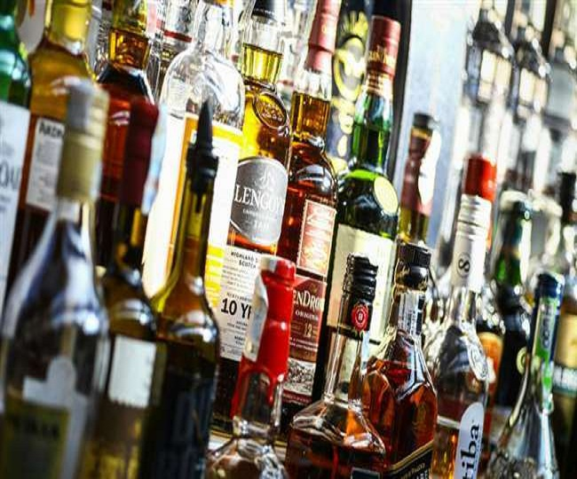 Lockdown 3.0: Restaurants, bars and pubs allowed to sell liquor as takeaway in Karnataka