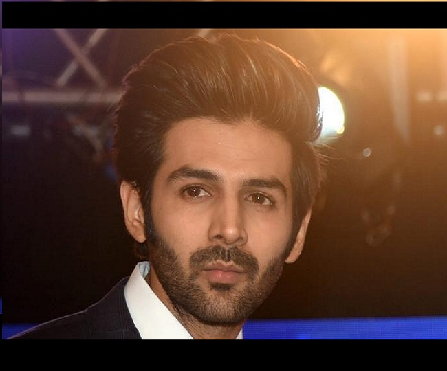 'I will give one....': Kartik Aaryan gets a savage reply from his mother for not sharing a post on Mother's Day | Watch