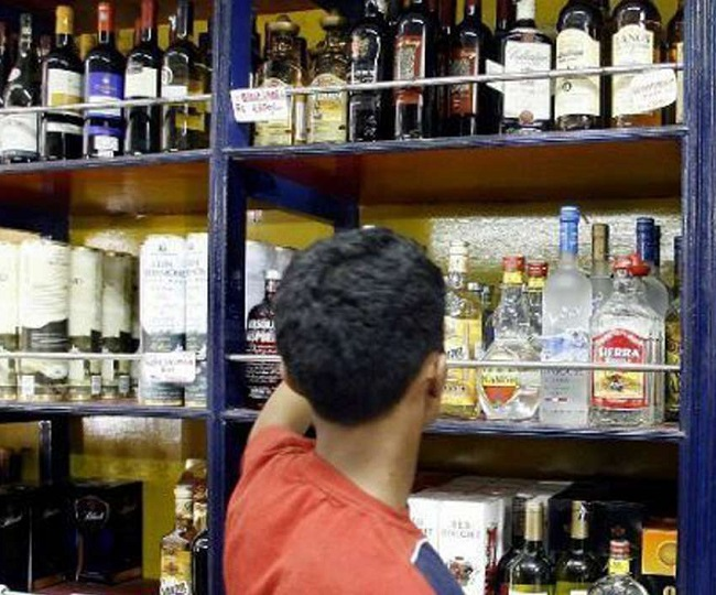Lockdown 3.0: Liquor stores, paan shops open in these areas from today, but with 'certain conditions'