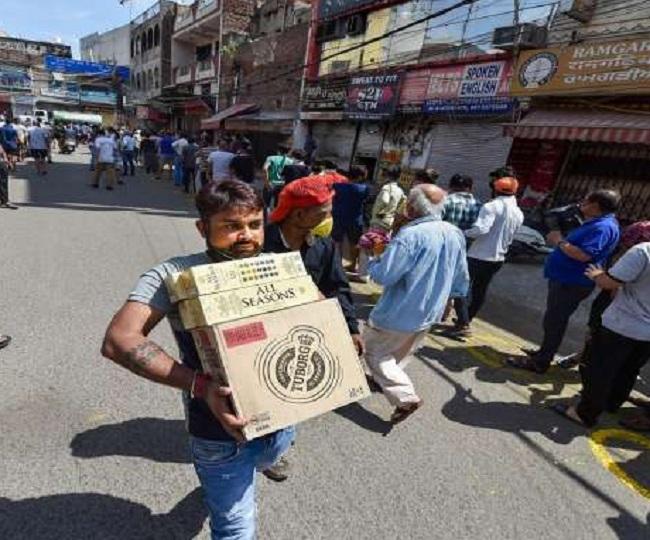 Lockdown 3.0: Permission to open liquor shops, non-essential services withdrawn in Mumbai