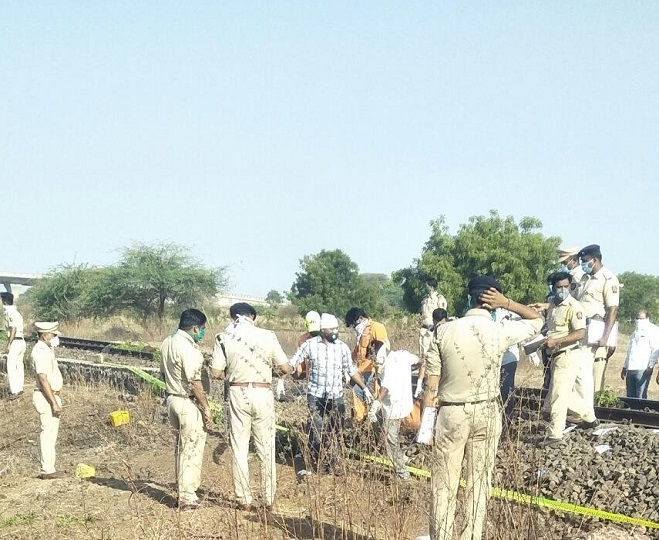 Atleast 14 migrant workers mowed down by goods train in Maharashtra