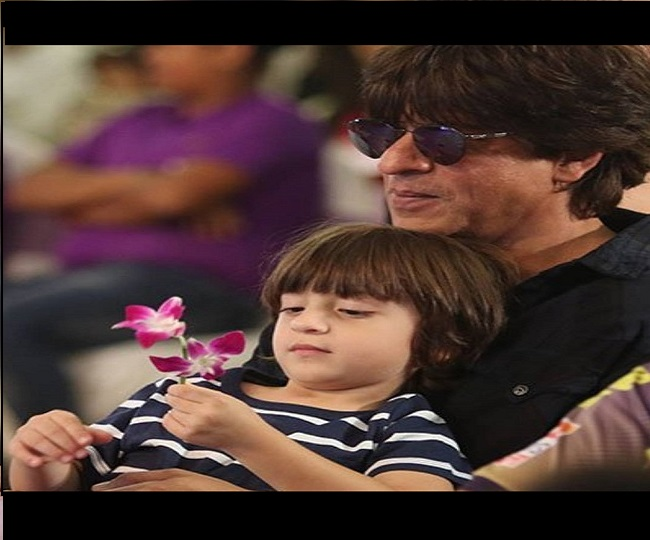 Shah Rukh Khan's performance with son AbRam for 'I For India' concert will surely melt your heart | Watch