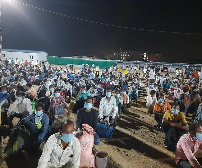 Coronavirus Lockdown: Special train ferries 1,200 stranded migrants from Telangana to Jharkhand