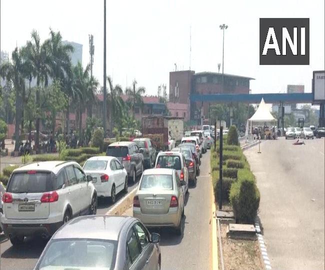 Lockdown 4.0 News | Heavy traffic congestion seen at toll booth on Delhi-Noida Direct (DND) Flyway