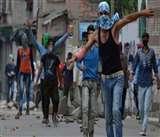 कश्मीर में जबरन बंद के खिलाफ अब लामबंद होने लगे लोग, शरारती तत्वों का खुद कर रहे सामना