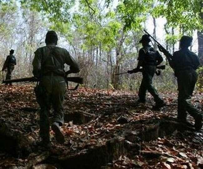 Chhattisgarh : तीसरे चरण के मतदान से पहले राज्य पुलिस और ग्रेहाउंड फोर्स ने मार गिराए दो नक्सली…..!!