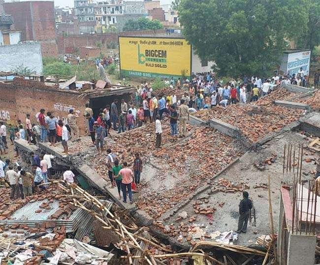 गाजियाबाद में धराशायी हुई पांच मंजिला इमारत, एक मजदूर की मौत, बचाव कार्य जारी