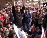 दिल्लीः ICAI मुख्यालय के सामने मांगों को लेकर सीए के सैकड़ों छात्रों का प्रदर्शन