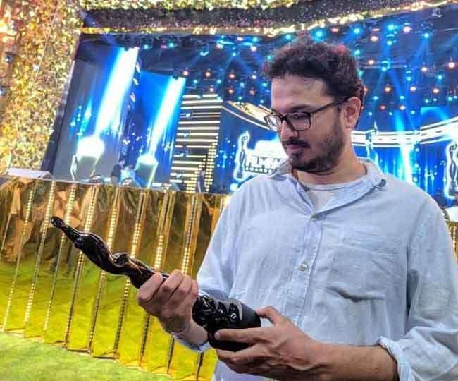अक्षत घिल्डियाल को फिल्म 'बधाई हो' के संवाद लेखन के लिए फिल्म फेयर अवार्ड मिला