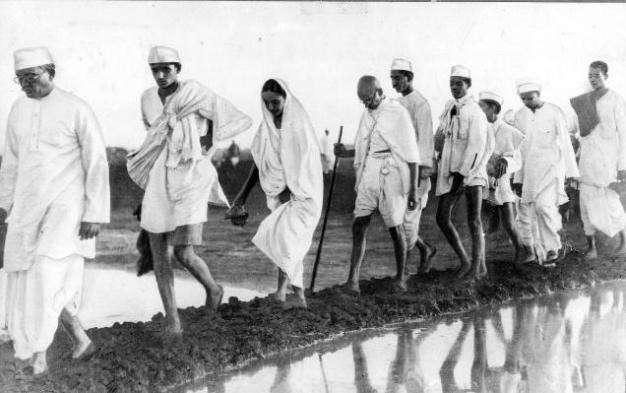 महात्मा गांधी इतना पैदल चले थे कि पृथ्वी के दो बार चक्कर पूरे हो जाते