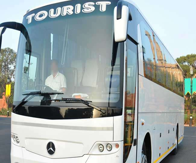 Image result for चलती बस में चालक को आया हार्ट अटैक, सहायक ने यूं बचाई 55 यात्रियों की जान