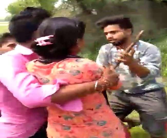 बिहार: प्रेमी युगल से मारपीट और बदतमीजी का वीडियो वायरल, युवती से दुष्कर्म की कोशिश