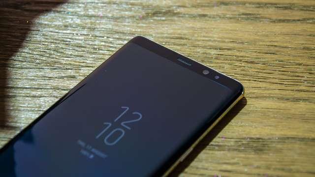 बजट हो या फ्लैगशिप, इन स्मार्टफोन पर मिल रहा है भारी डिस्काउंट