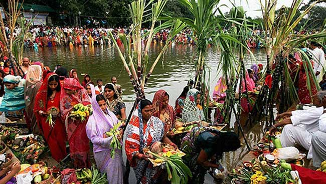 //www.jagranimages.com/images/chhath-puja-pic_2017_10_23_163026_s.jpg
