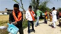 संघ के स्वयंसेवक उतरे मैदान में, बांटा भोजन का पैकेट