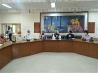 सरपंचों, सचिवों और पटवारियों लेते रहें जायजा : नागरा