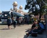 Lockdown update : भूखे थे विदेशी, सब्जी पूड़ी खाकर हुए भावुक बोले-थैंक्यू इण्डिया