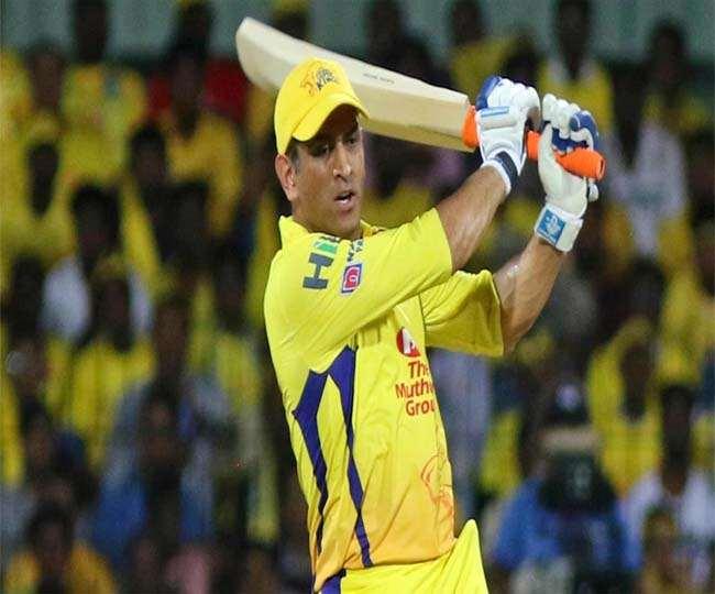 IPL में अब तक धौनी ने आरसीबी के खिलाफ सबसे ज्यादा छक्के लगाए हैं (एपी फोटो)