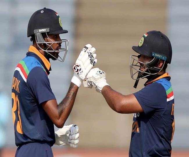 रिषभ पंत व हार्दिक पांड्या बल्लेबाजी के दौरान (एपी फोटो)
