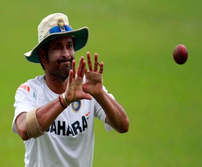 पूर्व भारतीय क्रिकेटर सचिन प्रैक्टिस के दौरान (एपी फोटो)