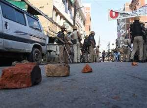 बजरिया बवाल : उपद्रवियों ने पुलिसकर्मियों पर फेंकी थीं तेजाब की बोतलें, 10 को भेजा गया जेल
