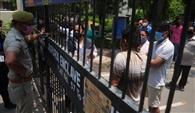 जयपुरिया एंक्लेव सोसायटी में सीलिग का दूसरे दिन भी विरोध