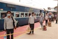 पांच घटे विलंब से आई श्रमिक ट्रेन