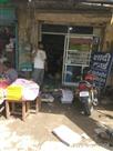 निकासी की ठोस व्यवस्था न होने के कारण घरों और दुकानों में घुसा बारिश का पानी