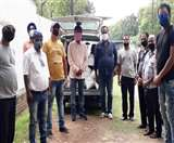 पूर्व सीएम रघुवर दास के निर्देश पर कलाकारों को भेंट की गई राशन सामग्री Jamshedpur News
